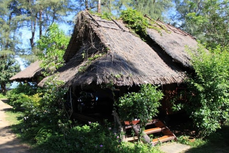 Fisherman's hut homestay